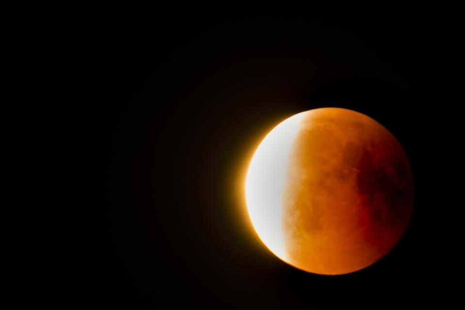 """Americas And Europe """"Perfectly Placed"""" For Sunday's Rare 'Super Wolf Blood Moon' Total Lunar Eclipse"""