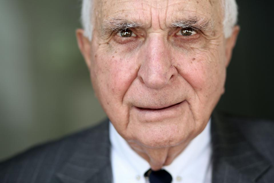 5 Behaviors Of Highly Successful Business People: Takeaways From Home Depot Cofounder Ken Langone