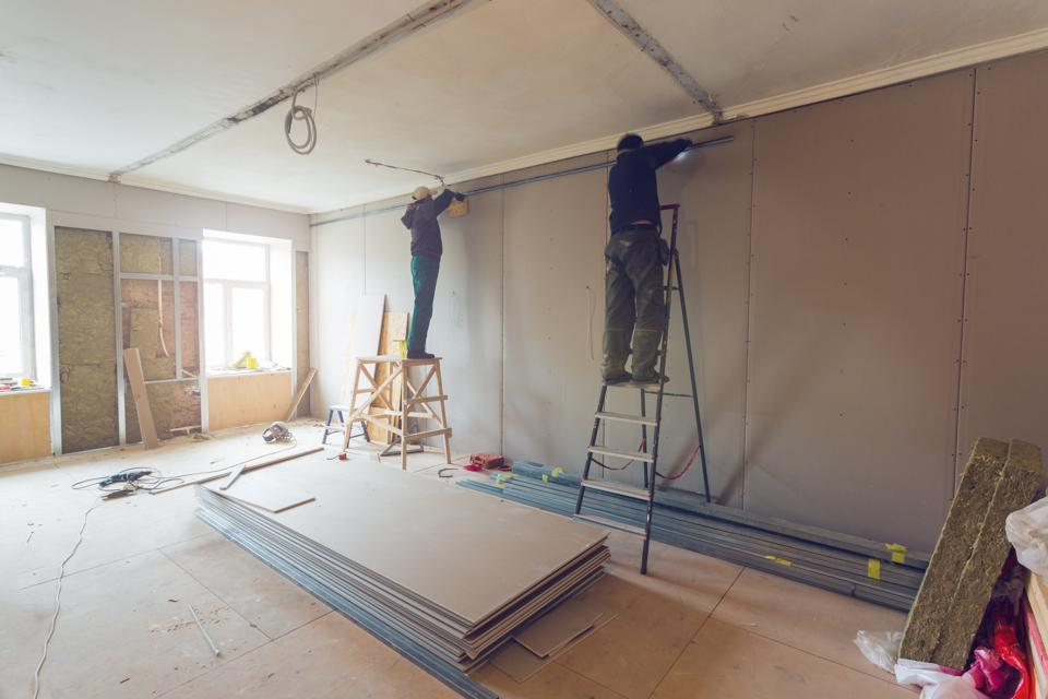 The Top 10 Risk Factors In Flipping Houses (And What To Do About Them)