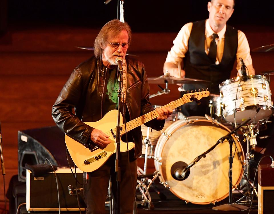 Jackson Browne Helps McCabe's Guitar Shop Turn 60 In Transcendent Night