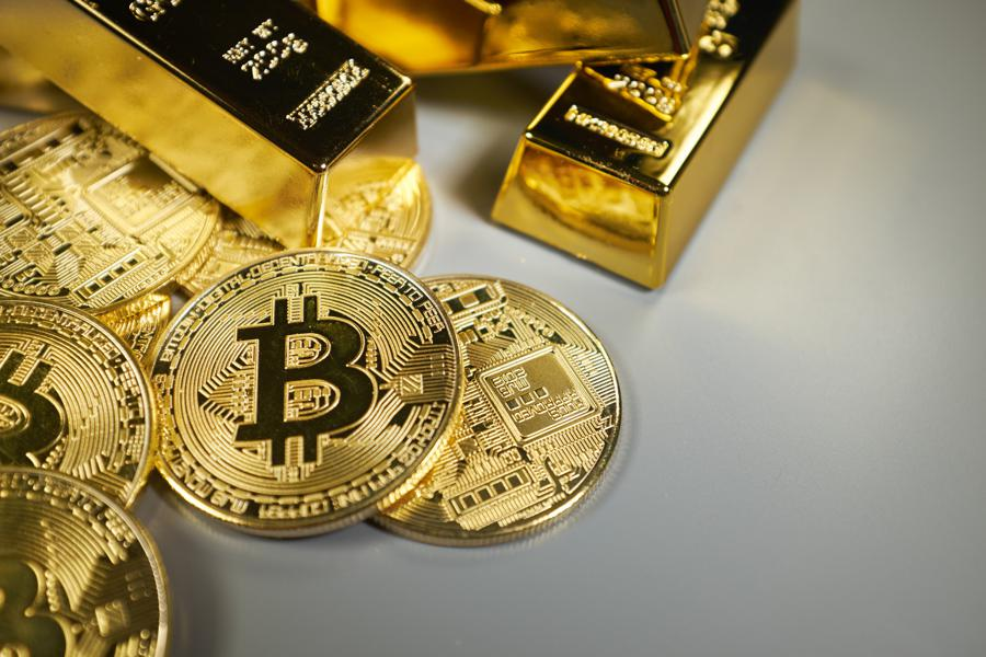 Could Bitcoin And Gold Benefit From Weakness In The Stock Market?