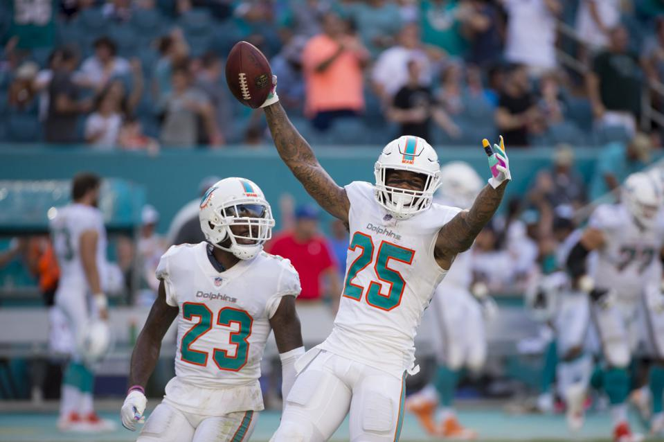 Why Miami Cornerback Xavien Howard's New Contract Didn't Really Re-set The Market