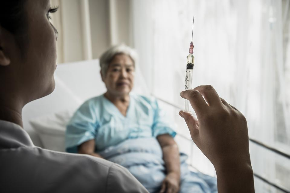 First-In-Human Trial Begins On Universal Flu Vaccine, Older Adults Still Encouraged To Vaccinate