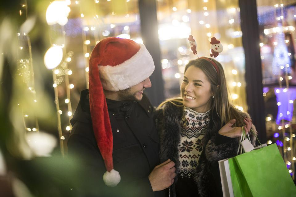 The Top 10 Experiential Retail Trends For The 2018 Holiday Season