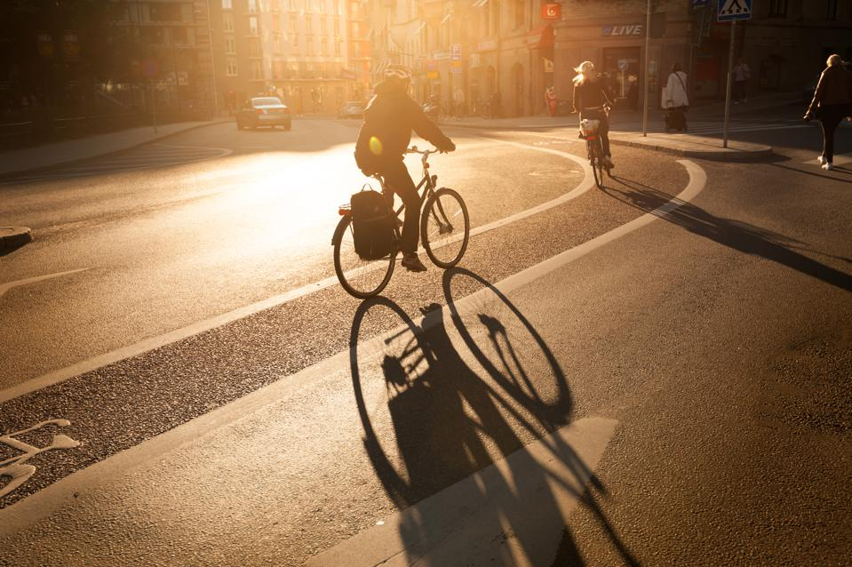 A Crowd-Sourced Navigation App Lets Cyclists Share Road Tips And Commute Like Drivers