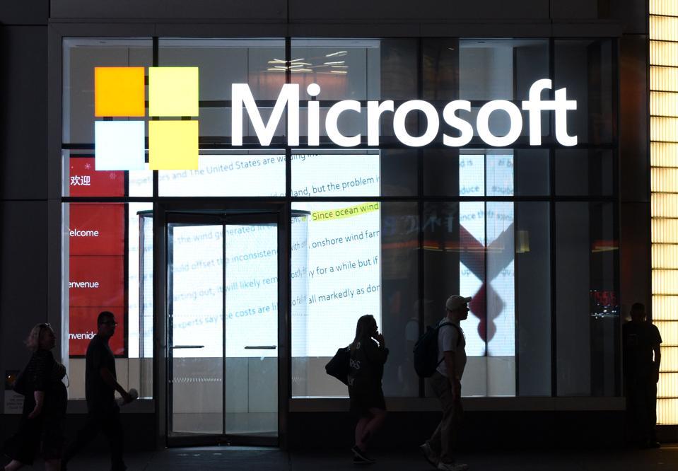 Microsoft Monday: Windows 10 Update Warning, Xbox One S All-Digital Edition, Surface Hub 2S
