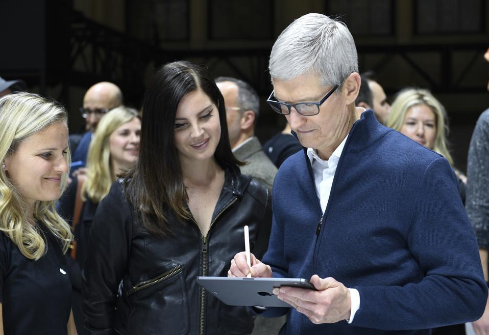 Stunning New Apple Leak Will Save Boring iPhone