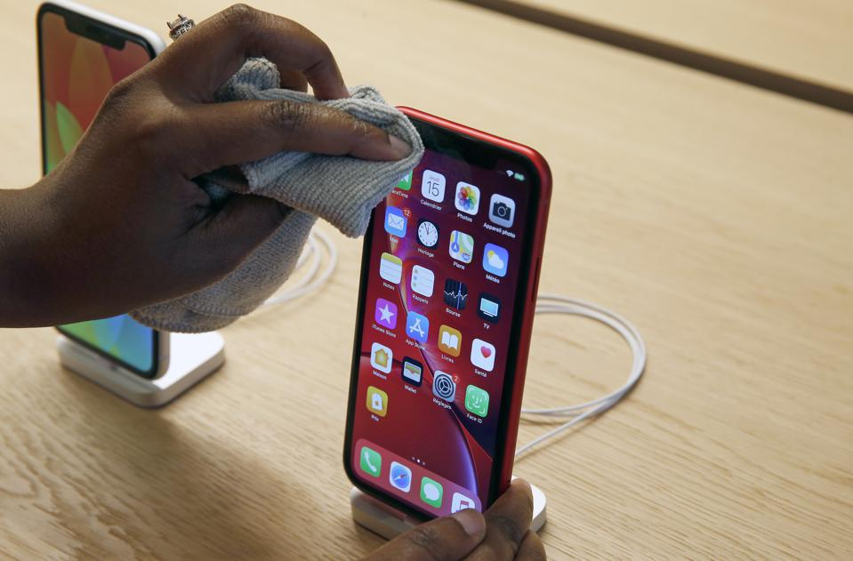 Bad News For Apple As iPhone XR Prices Slashed