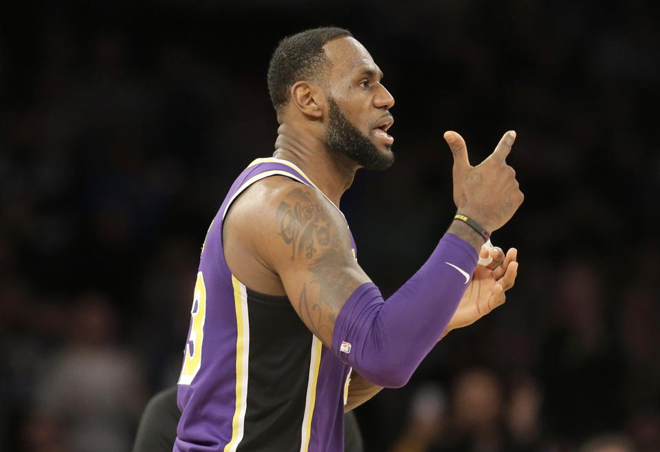 Knicks Should View This Year's Lakers As Cautionary Tale
