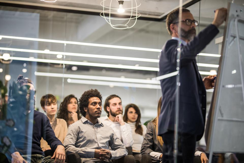 Make Great Presentations Like Sheryl Sandberg, Dan Pink And Eric Schmidt