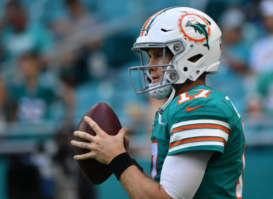 The Miami Dolphins Logo Needs To Get Its Helmet Back, For Good