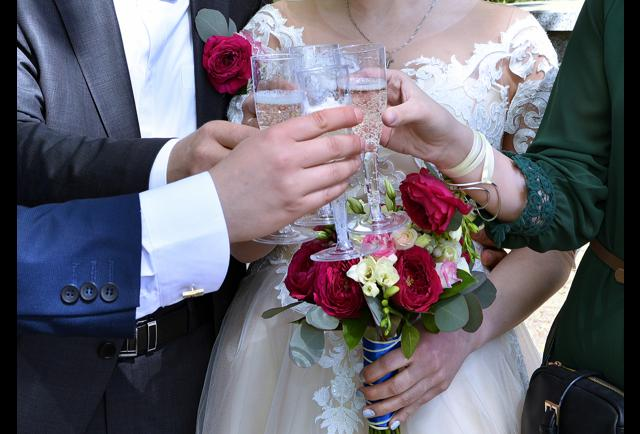 Average Cash Gift For Wedding: How Much Money Should You Gift The Bride And Groom?