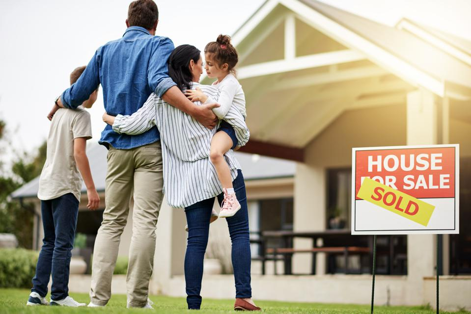 'Tides Are Shifting': Is A Homebuyer's Market On The Horizon?