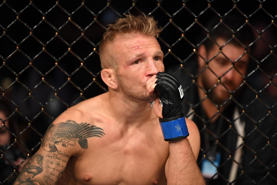 T.J. Dillashaw Voluntarily Relinquishes UFC Bantamweight Title After 'Adverse' Drug Test Finding