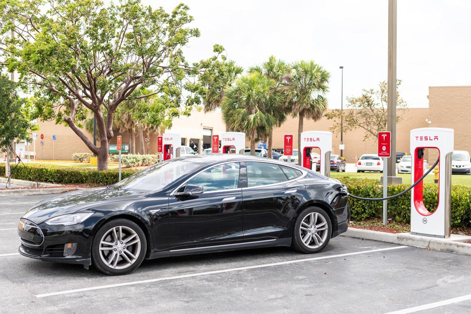 Tesla Could Be On Fast Track, J.D. Power Says