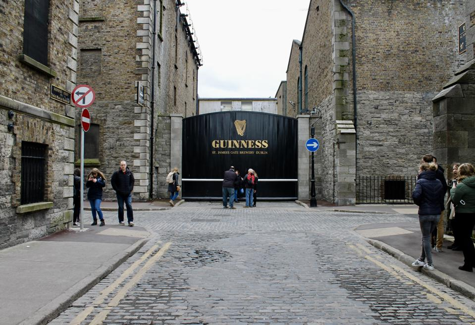 How A Brewer In Guinness Factory Secretly Discovered A Statistical Method