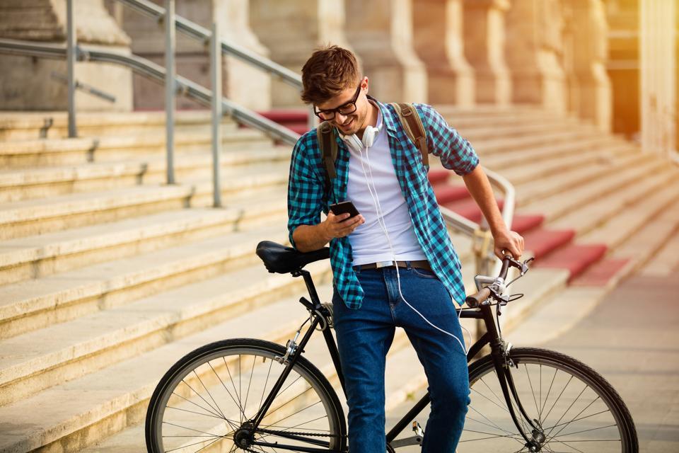 Are We Entering The Era Of Social Shopping?
