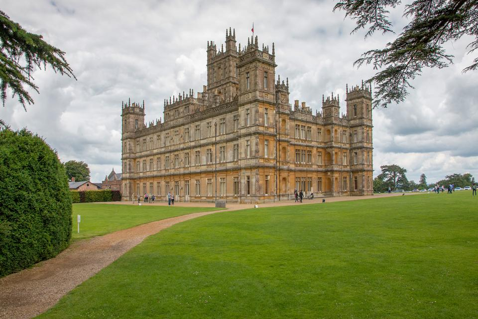 'Downton Abbey' Movie Trailer Promises More Beautiful Pomp And Circumstance