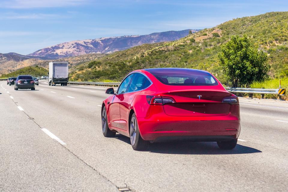 Tesla Autopilot, At Times Unsafe For Automatic Lane Changes, Lays Bare Machine-Learning Brittleness