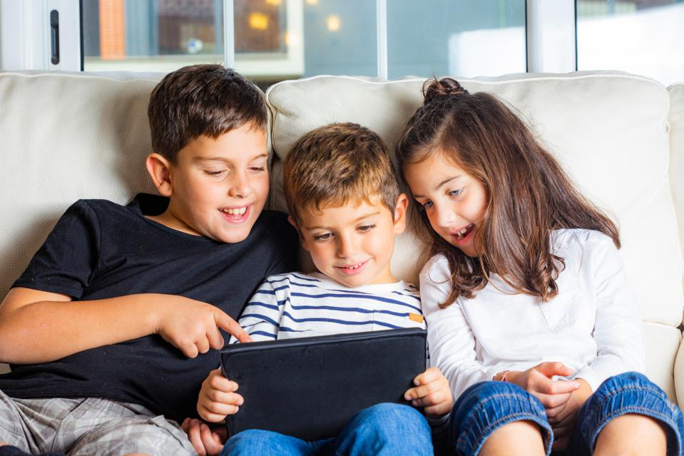 Try This Unconventional Strategy For Raising Your Kids In The Digital Age