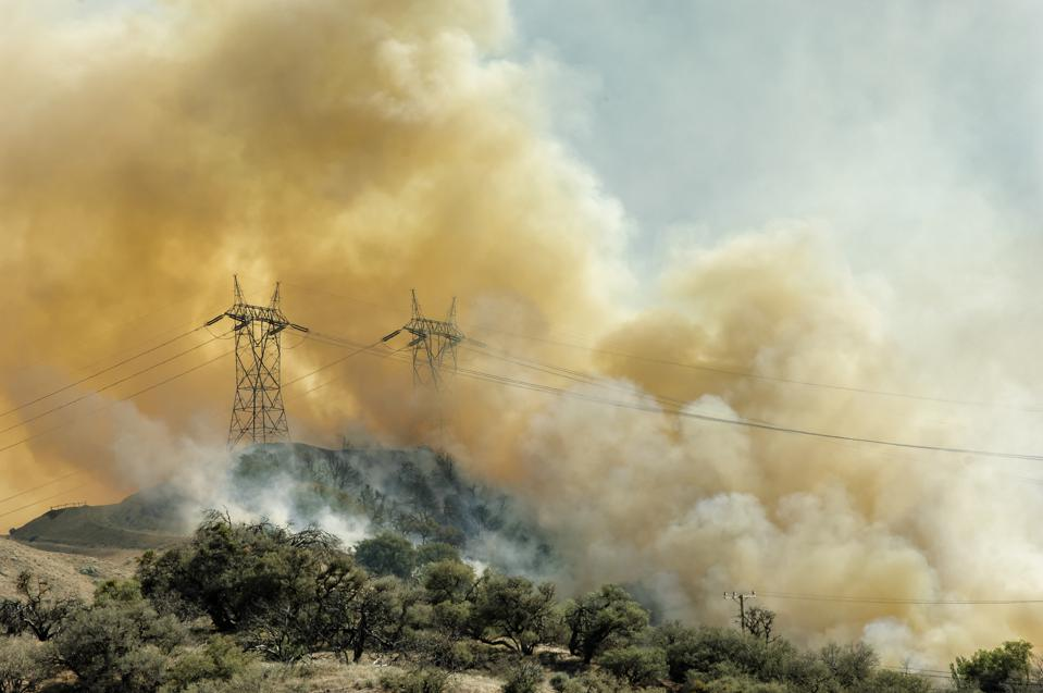 Amid PG&E Bankruptcy, Rooftop Solar Could Help The Power Grid Fight Wildfires