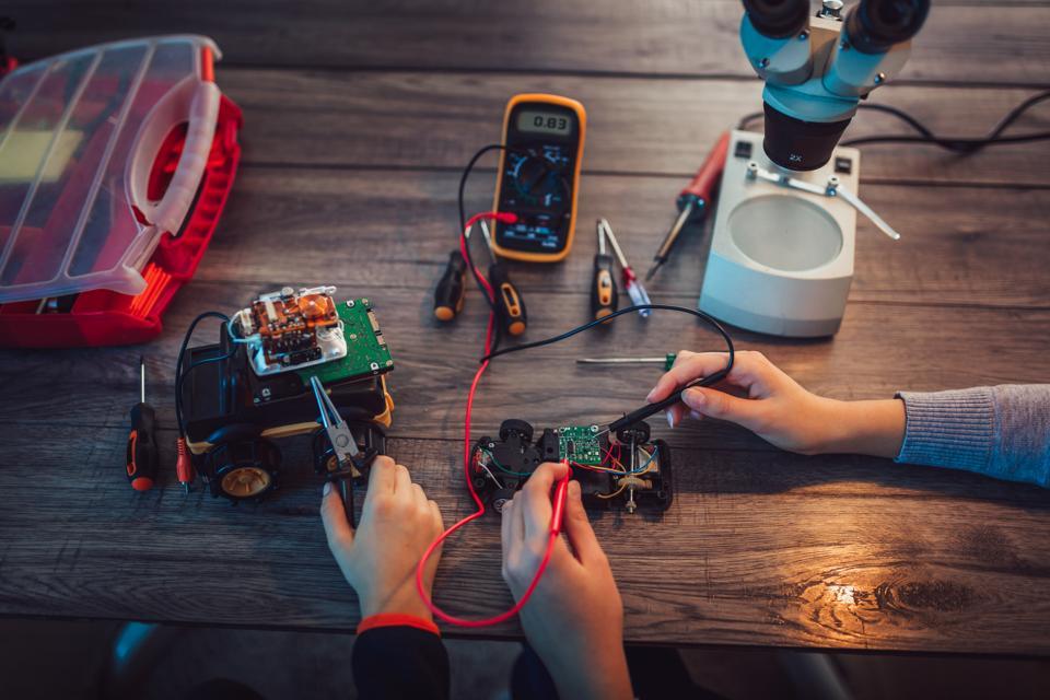 What Is Some Good Career Advice For Aspiring Robotics Entrepreneurs?