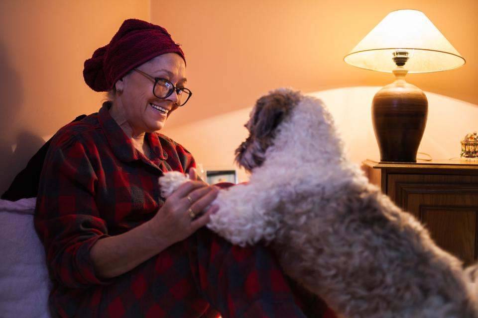 How To Find A Pet-Friendly Retirement Community