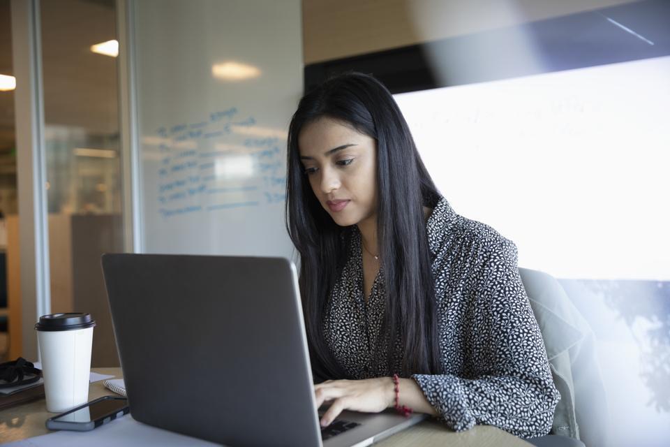 SaaS: Choosing Between Single-Tenant And Multi-Tenant Solutions