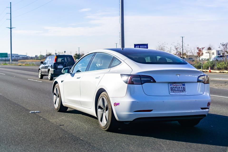 A Quickly Corrected Tweet And An Abrupt Executive Departure; Nothing Ever Changes At Tesla