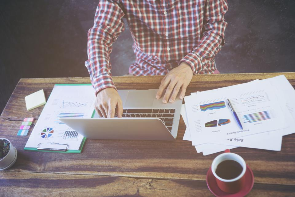 3 Ways To Focus On Your Work Without Interruption -- Backed By Science