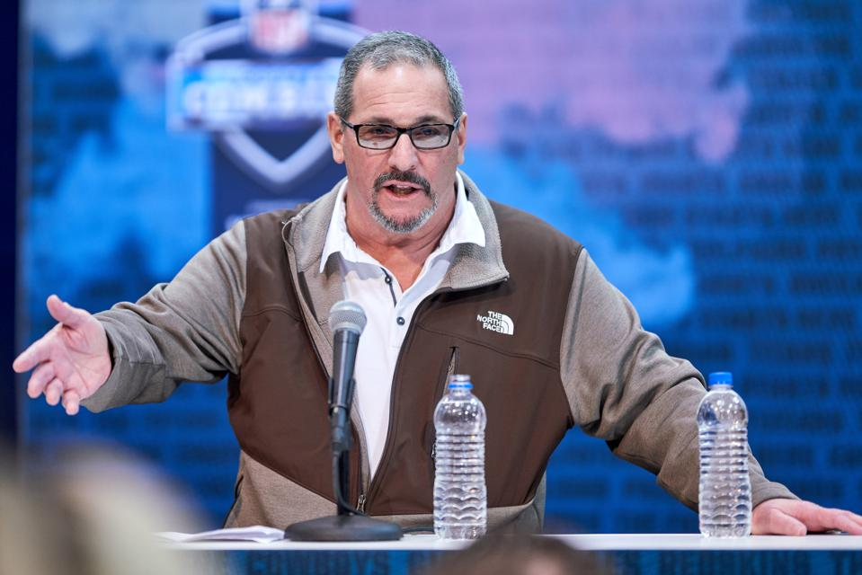 Why The Giants' Roster-Building Strategy Is A Risk