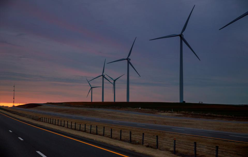 DeepMind and Google Train AI To Predict Energy Output Of Wind Farms