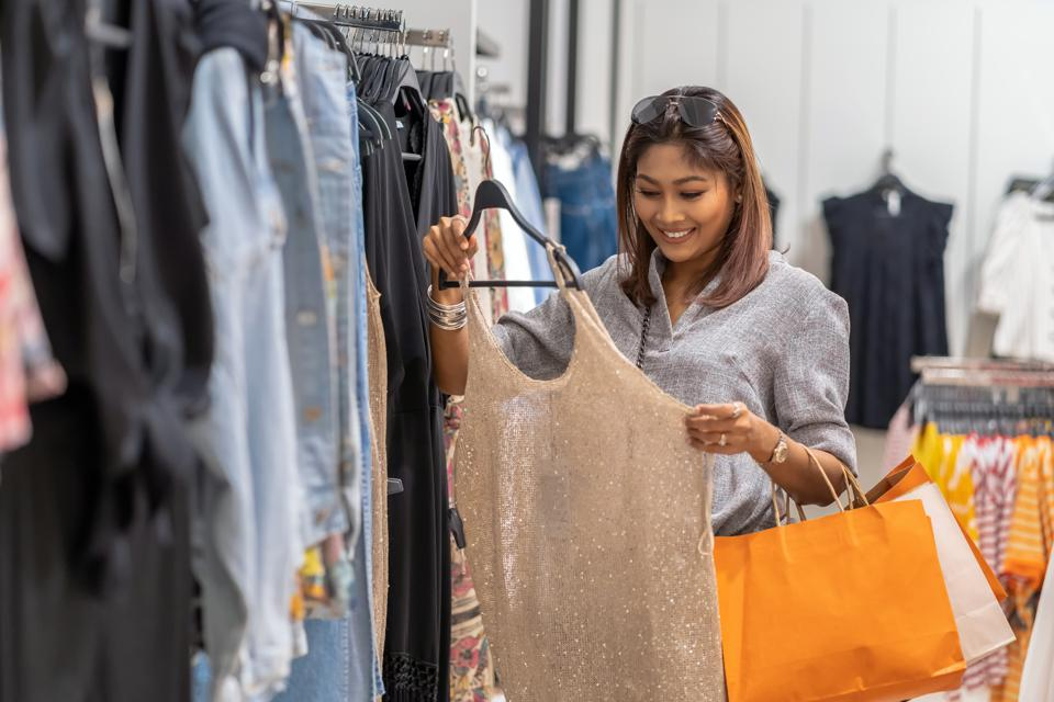 China Retail: Can A Personal Shopper Be Your Secret Weapon?