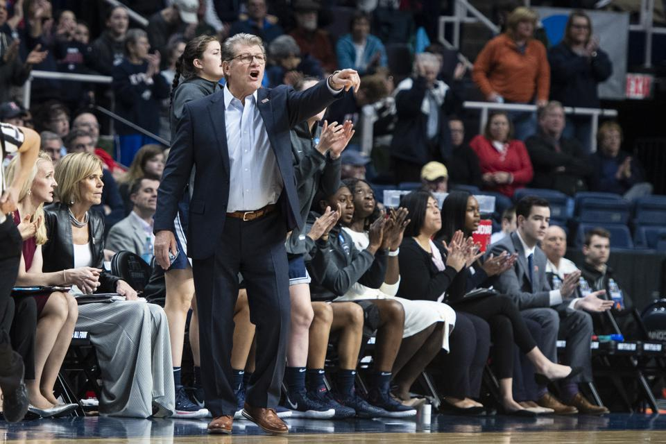 How Geno Auriemma's 12 Straight Final Fours Benefit UConn Beyond The Bracket