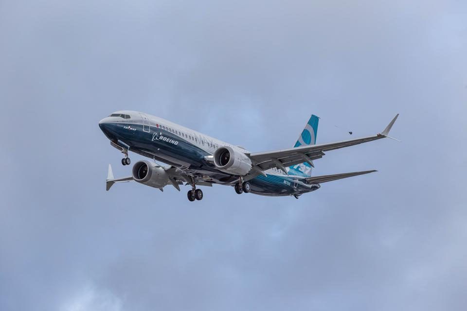 LOI For 200 737 MAX Planes Is Can't-Lose For IAG, And No Loss For Airbus