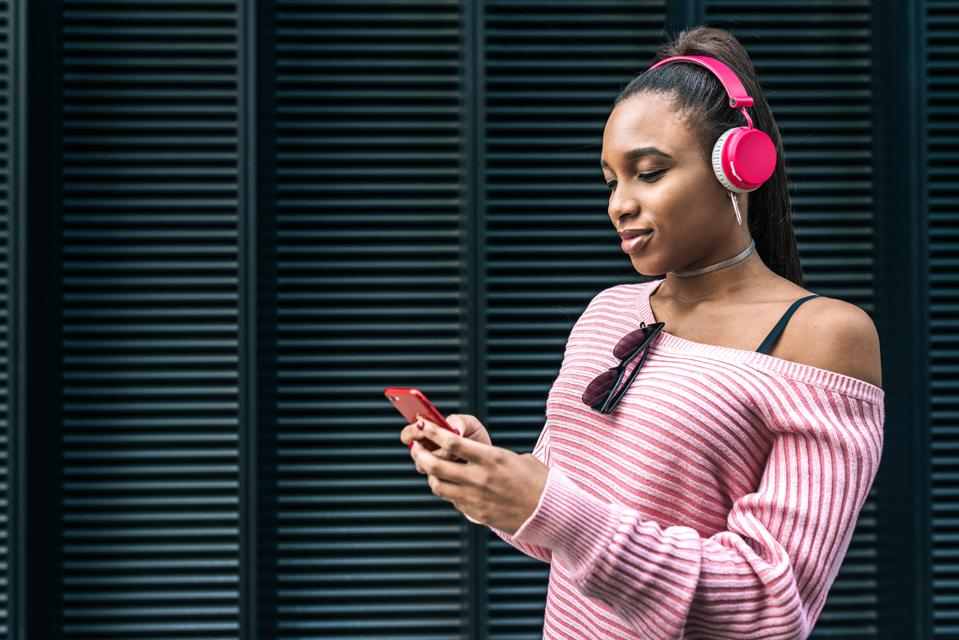 How Google Is Getting More Women And People Of Color Into Podcasting
