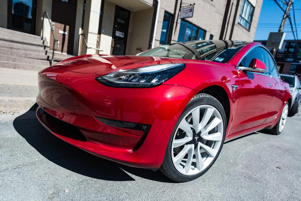 Pay Attention to Elon Musk's Statements About Tesla's Free Cash Flow