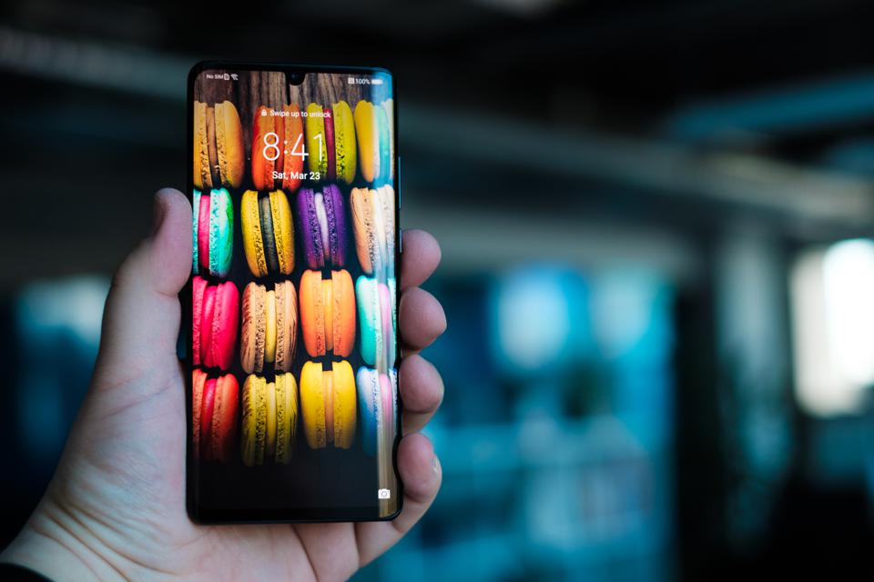 Huawei OS Is 'Set For 2019 And Will Run Android Apps' But Is 'Far From Ready'