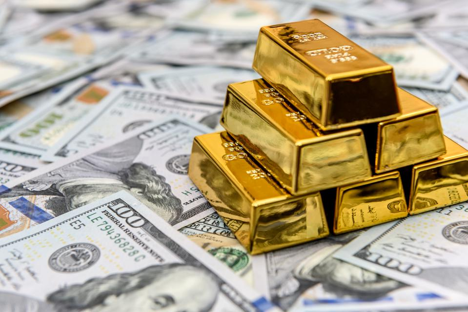 3 Reasons Why Gold Will Outperform Equities And Bonds