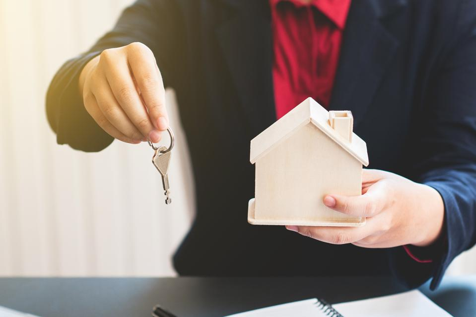 Are Real Estate Agents Still Relevant In The Age Of Tech?