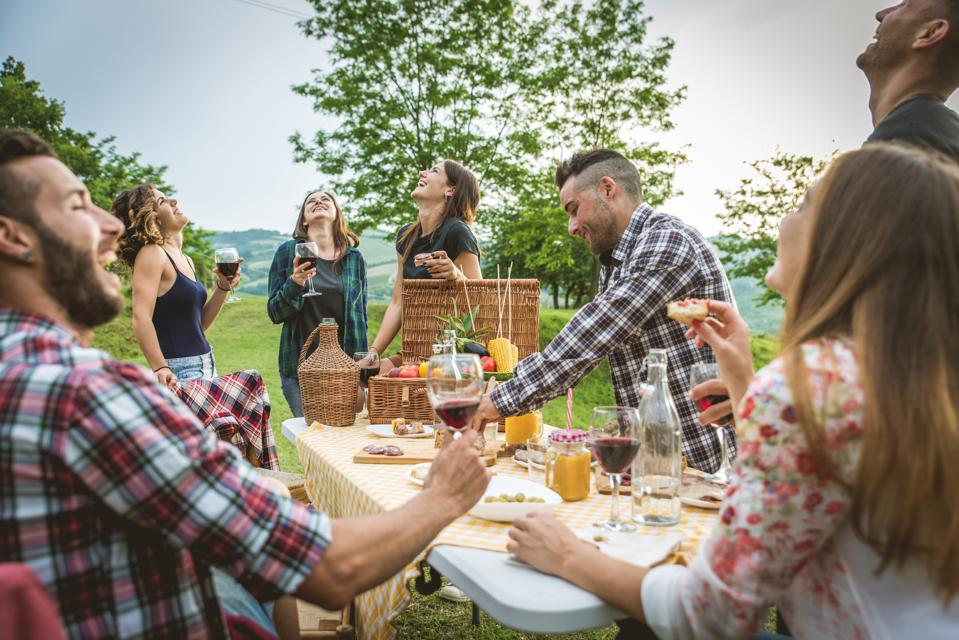 The Best Memorial Day Wines To Kick Off Summer