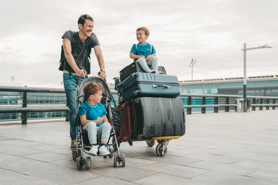 Father's Day Gift Guide: The Best Travel Strollers For Dad