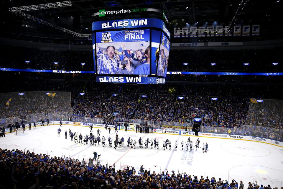 One More St. Louis Blues Win, And Laura Branigan's 'Gloria' Becomes An Unlikely Championship Anthem
