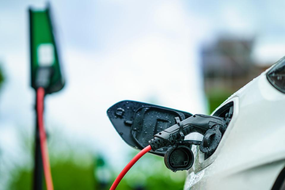 Tax Credits for Affordable Electric Vehicles Gain Speed, But Legislation Must Avoid Stop Signs