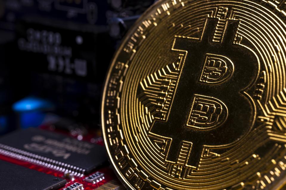 Bitcoin's Pullback Below $10,000 Positive For Investors