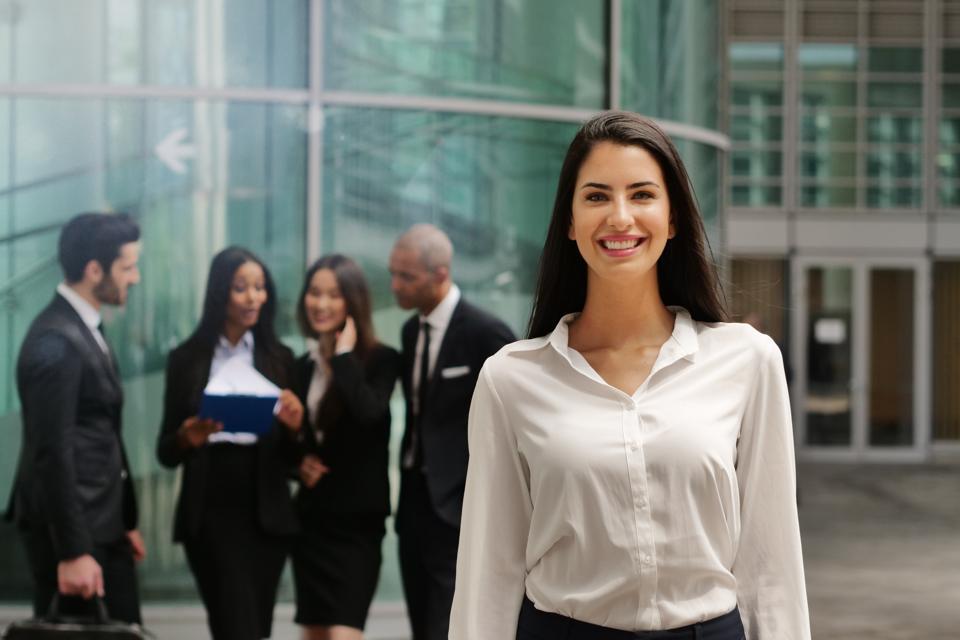 How Positive Leadership Shapes Positive Organizational Behaviors