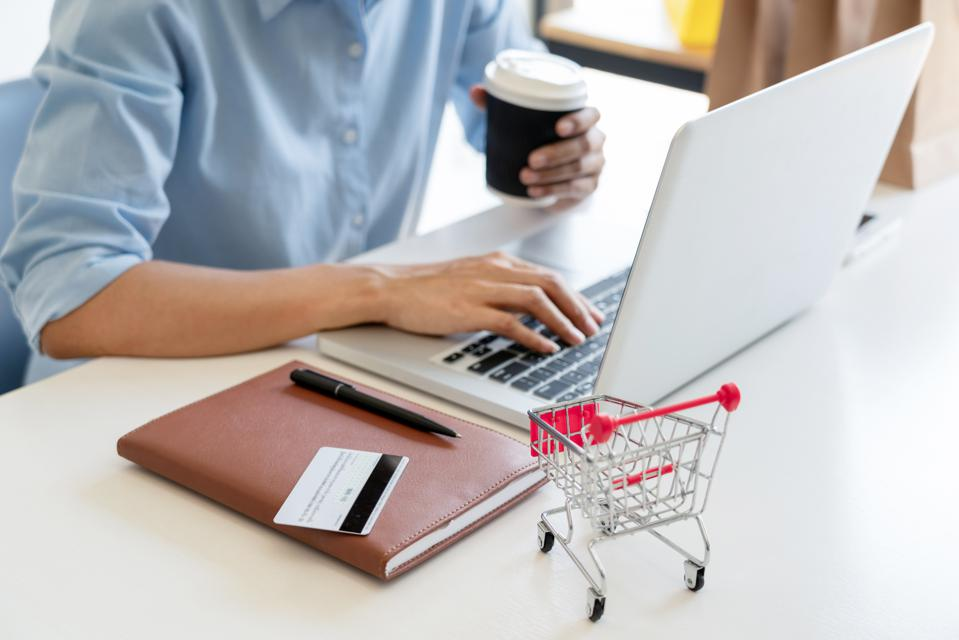 3 E-Commerce Trends Leading The Way In 2019