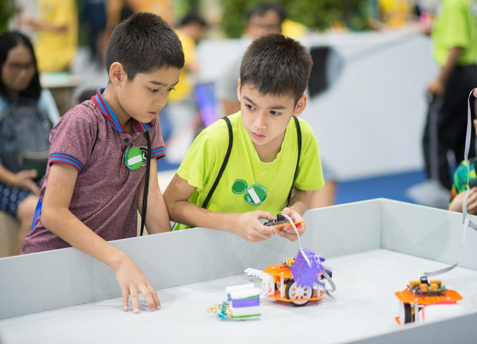 Robots And Games That Teach Coding