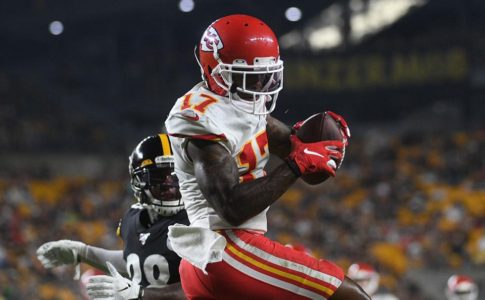 Waiver Wire Week 2: Top NFL Fantasy Football Free-Agent Pickups At Every Position