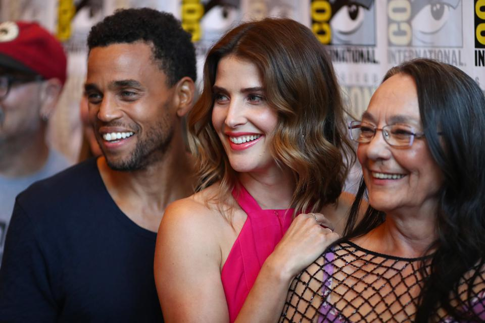 Cobie Smulders Plays A Bisexual Detective With PTSD In ABC's New Fall Series 'Stumptown'